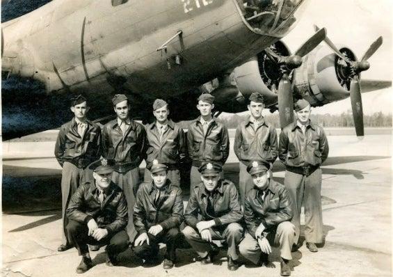 351st_bomber_group_don_mclott-story.jpg