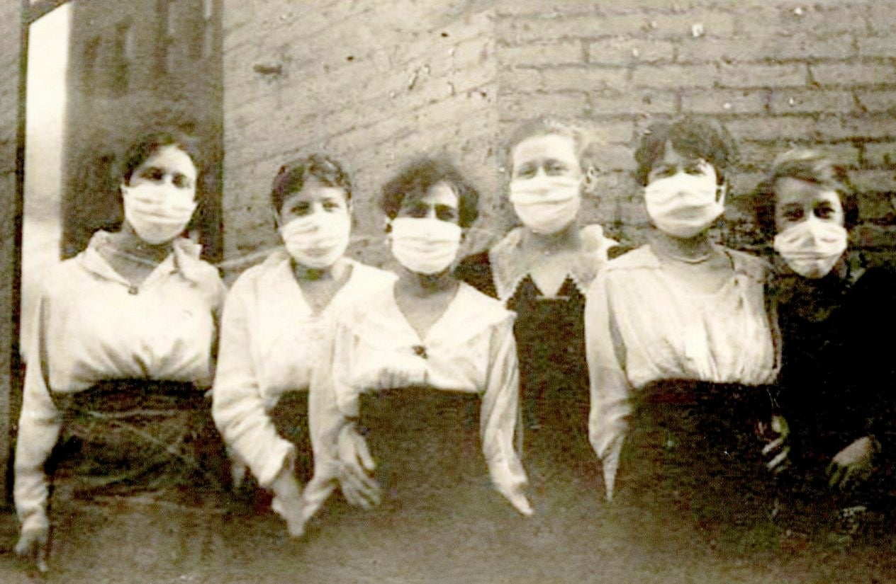 04-Women-Teamsters-During-the-Spanish-Flu-Epidemic-c.-1919