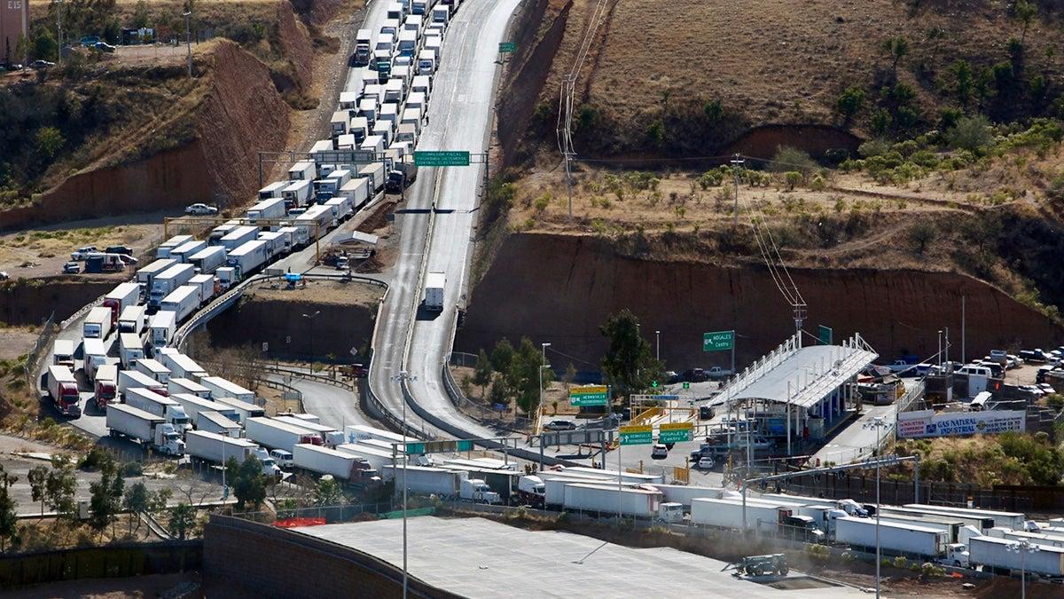 Nogales-trucks-CBP-1