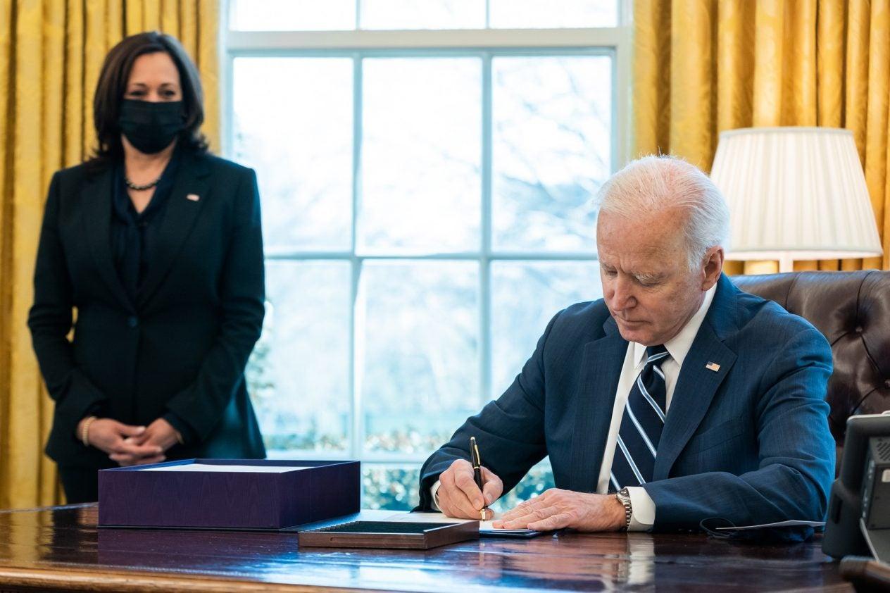 President_Joe_Biden_signs_the_American_Rescue_Plan_into_law