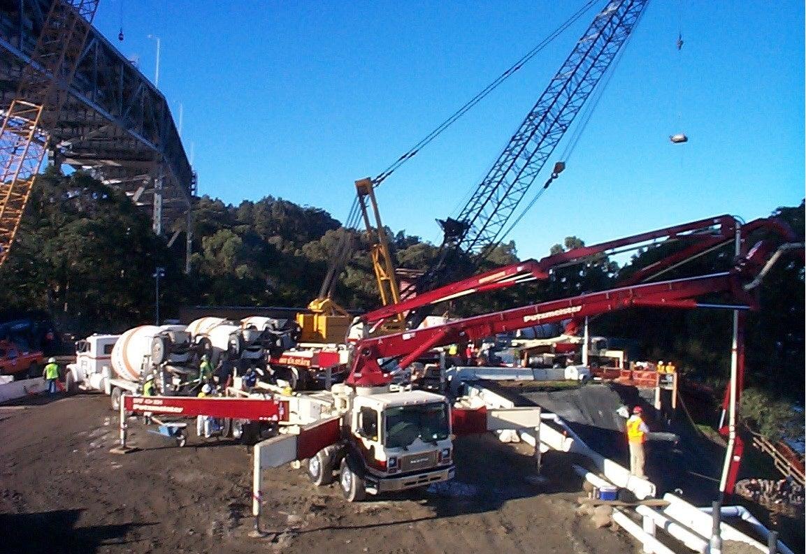 Local 853 members working on Bay Bridge concrete pour - Oakland, California